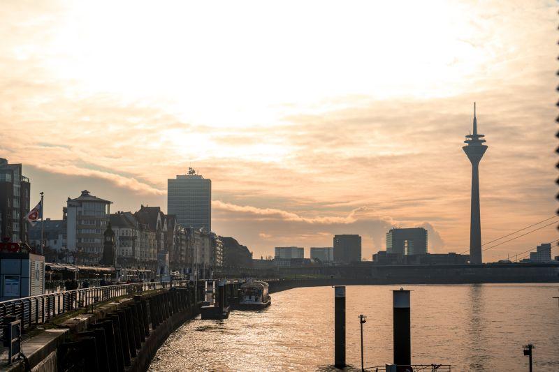 Düsseldorf Rheinufer Kasematten