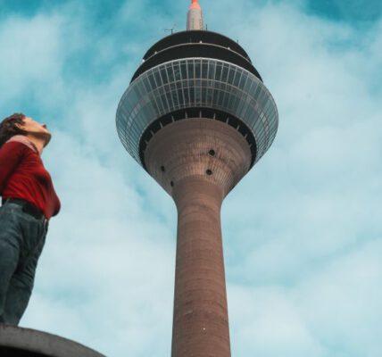 Düsseldorf Sehenswürdigkeiten Rheinturm