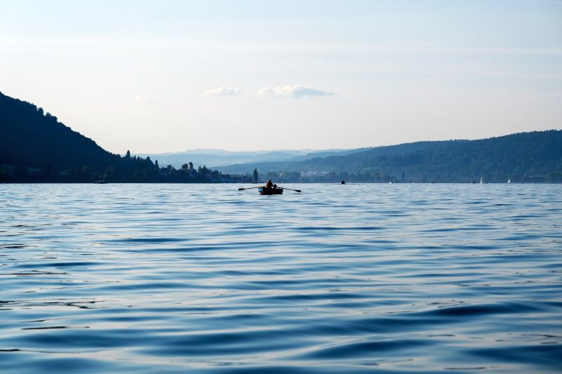 Mit dem Boot über den Bodensee.