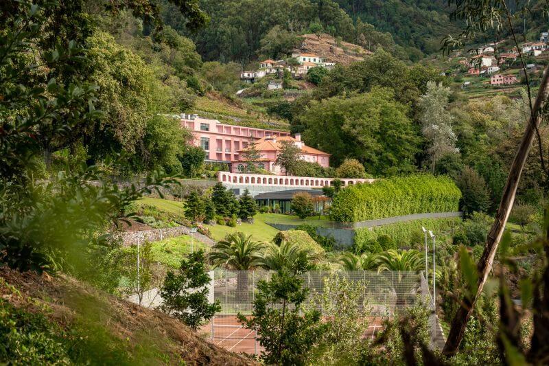 Madeira Hotel: Quinta da Serra - Tennisplatz zum Pool