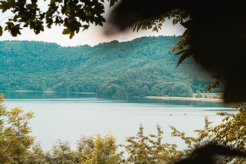 2 Boote auf dem Laacher See