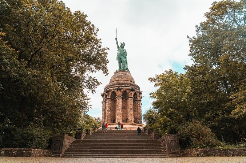 Hermannsdenkmal die höchste Statue Deutschlands