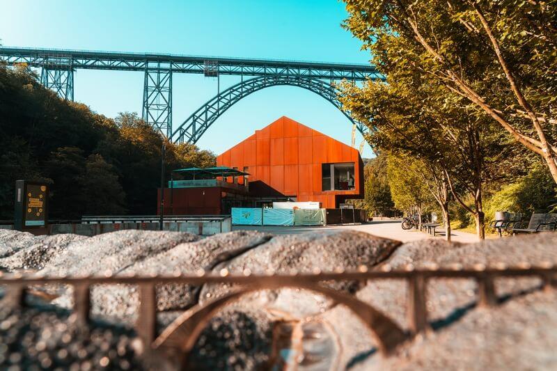 Haus Müngsten neben der Müngstener Brücke