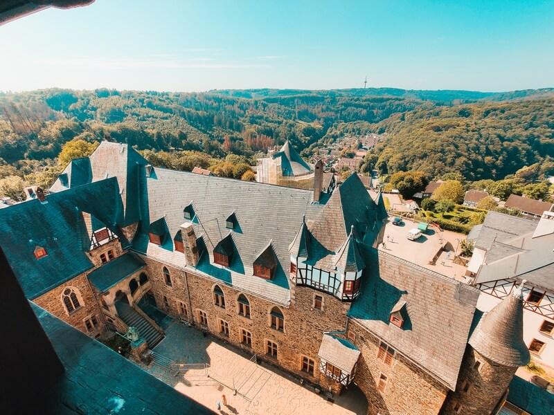 Innenhof Schloss Burg